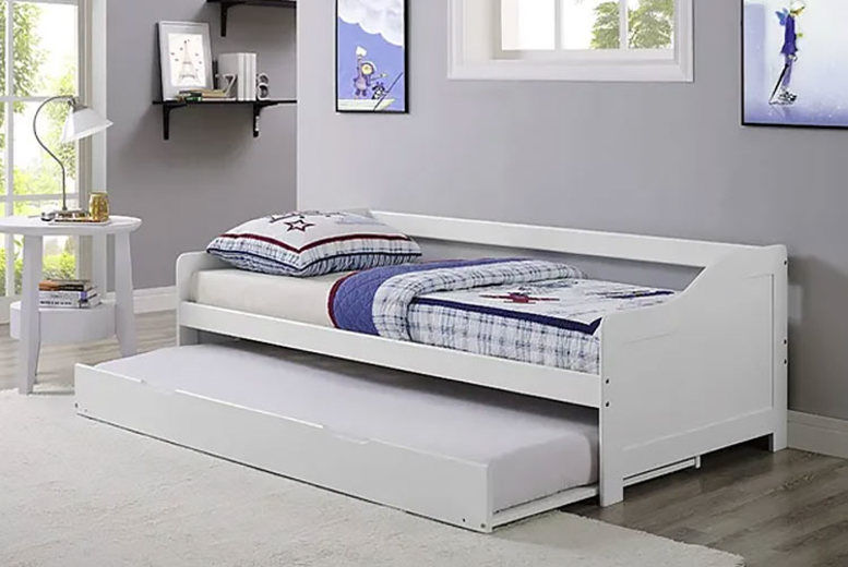White Pine Day Bed & Matching Trundle