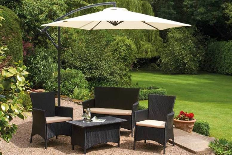 Cantilever Garden Parasol w/ Optional Rain Cover – 5 Colours! (from £38)
