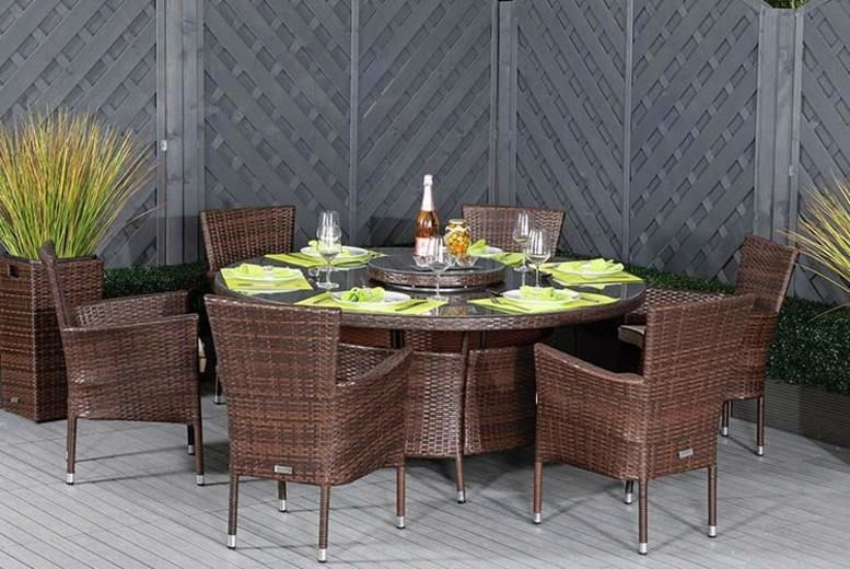 6-Seater Cambridge Rattan Outdoor Dining Set (£749)
