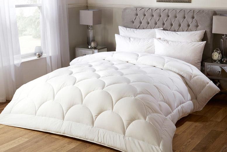 Luxurious Ultra Soft Silk Feel 10.5 Tog Duvet - 4 Sizes!