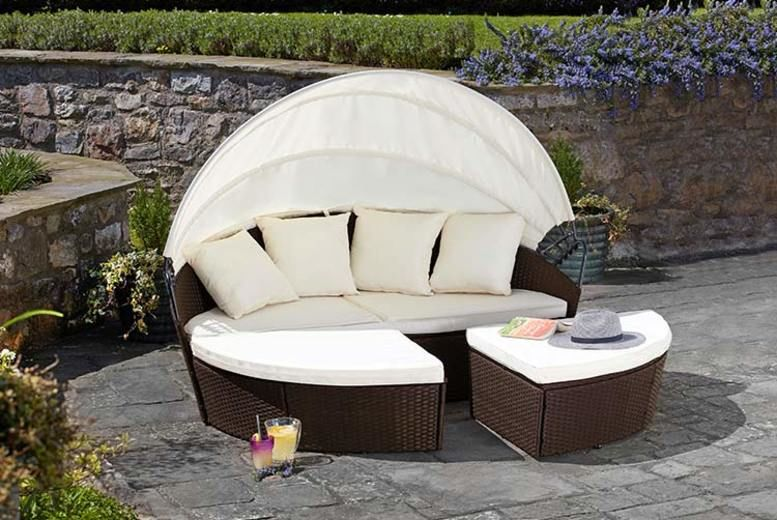 Brown Rattan Daybed – 2 Sizes & Optional Cover!