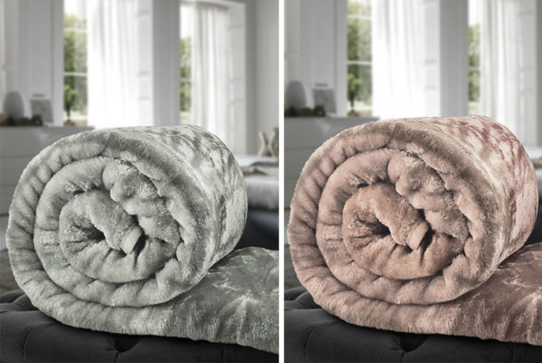 Faux Fur Throw – 3 Sizes & 10 Colours! (from £7.99)