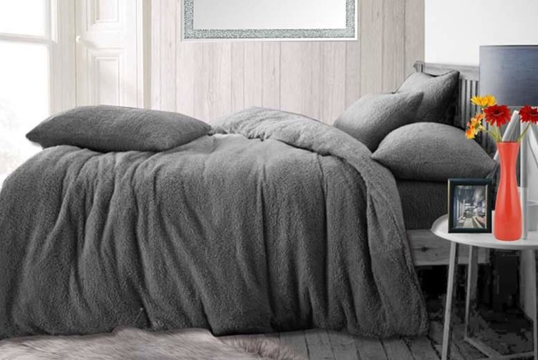 Teddy Fleece Bedding Set – 3 Sizes & 7 Colours! (from £9.95)