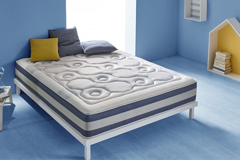 Self-Regulating 13-Zone Quilted Memory Foam Mattress