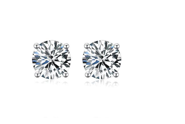 Design 9 925 Sterling Silver Crystal Cubic Zirconia Heart Stud Earrings