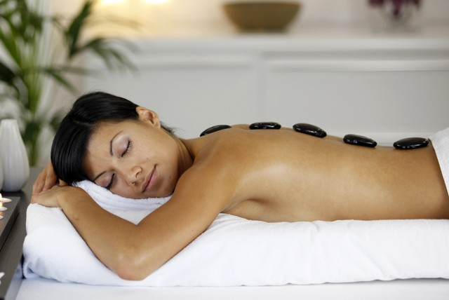 Does hot stone massage hurt-9455