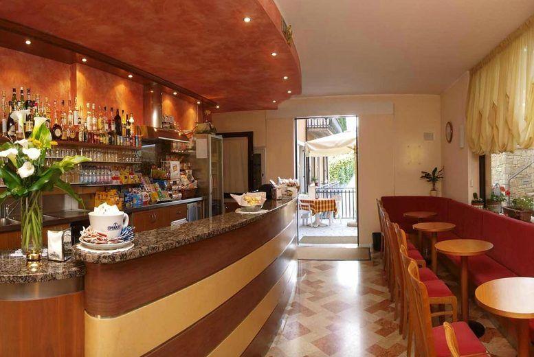 Garda Family House - Bar