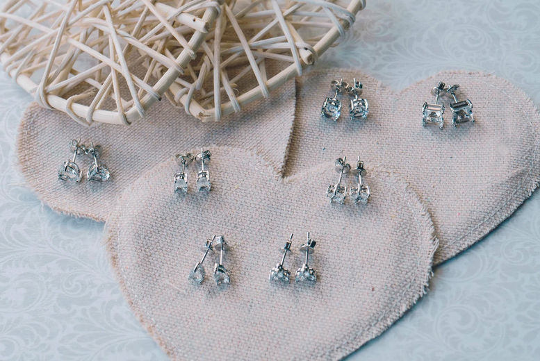 Philip-Jones---Pack-of-Earrings-Created-with-Swarovskis4