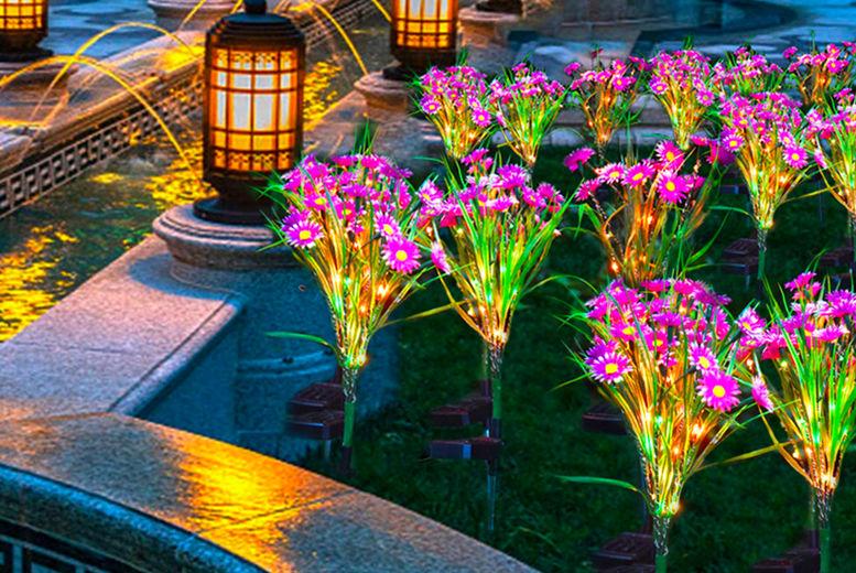 Forefront-Trading---Solar-Garden-Flower-Bouqets2