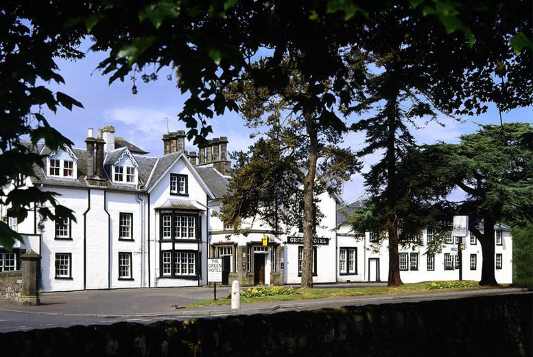 Loch Leven Stay for 2: Prosecco & 2-Course Dinner