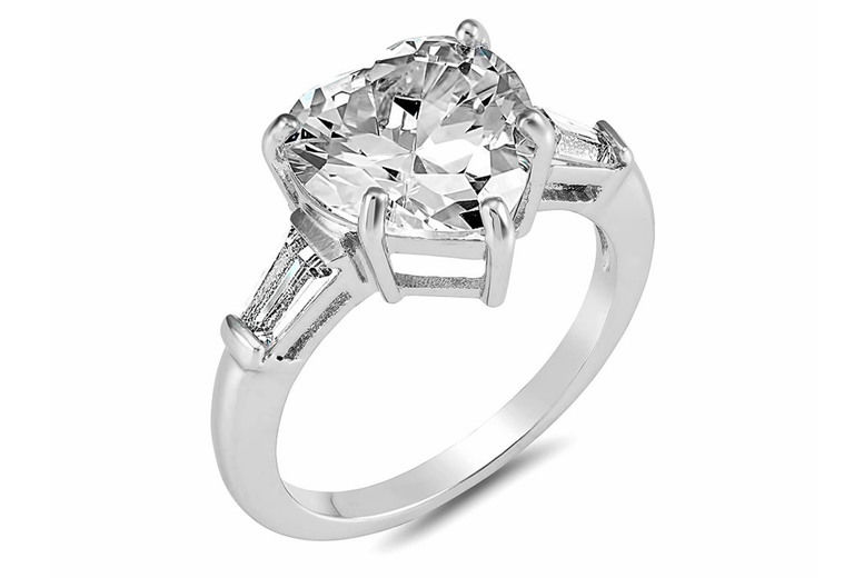 Clear-Crystal-Heart-Ring-2