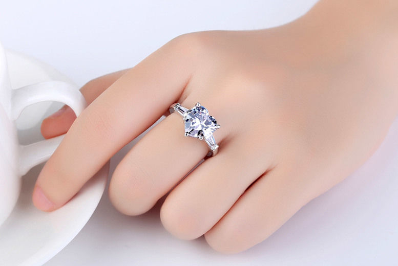 Clear-Crystal-Heart-Ring-3