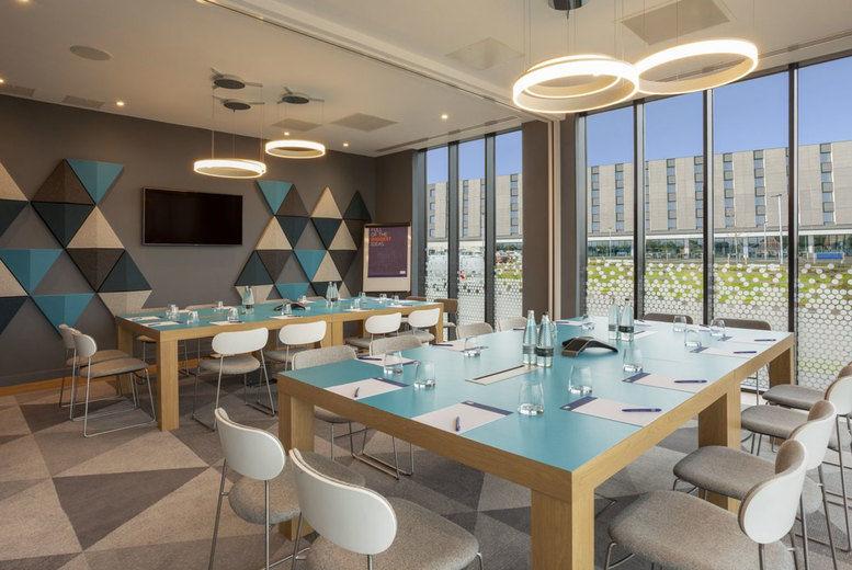 Holiday Inn Express Bridgwater - meeting room
