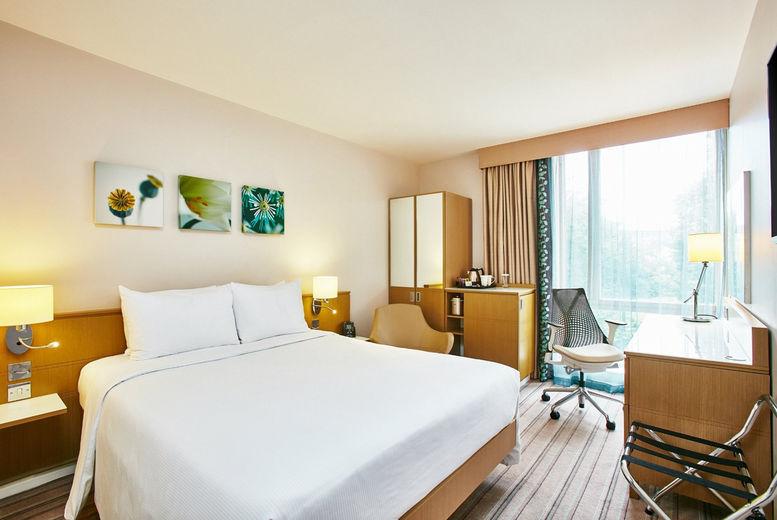 Hilton Garden Inn Birmingham Brindleyplace - bedroom