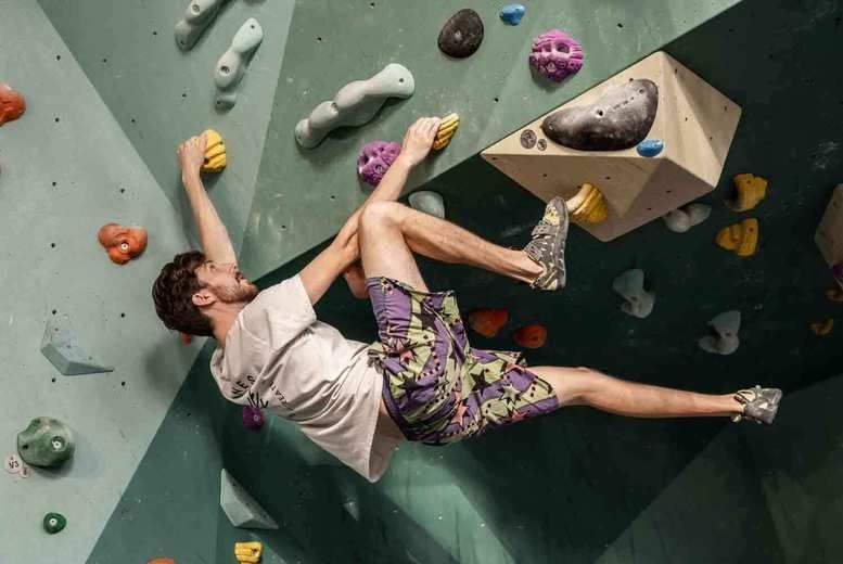 Family Indoor Climbing Session Voucher - London