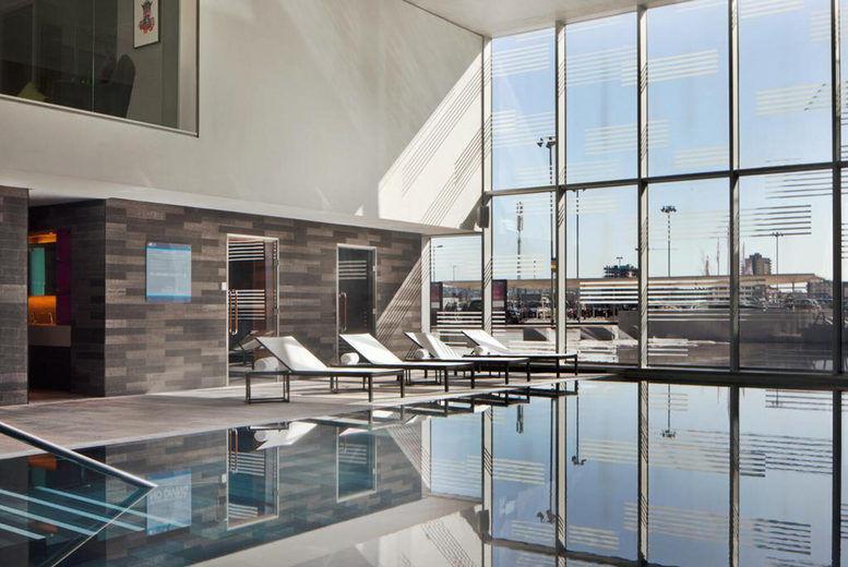 Aloft Hotel - Pool Leisure Facilities