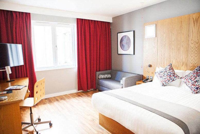 Ramada by Wyndham Belfast City Centre - bedroom