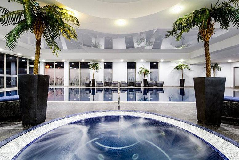 Crowne Plaza Reading-indoor pool