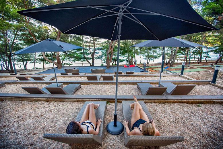 LABRANDA Senses Resort - sun loungers