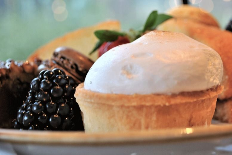 4* Afternoon Tea & Prosecco Voucher - London