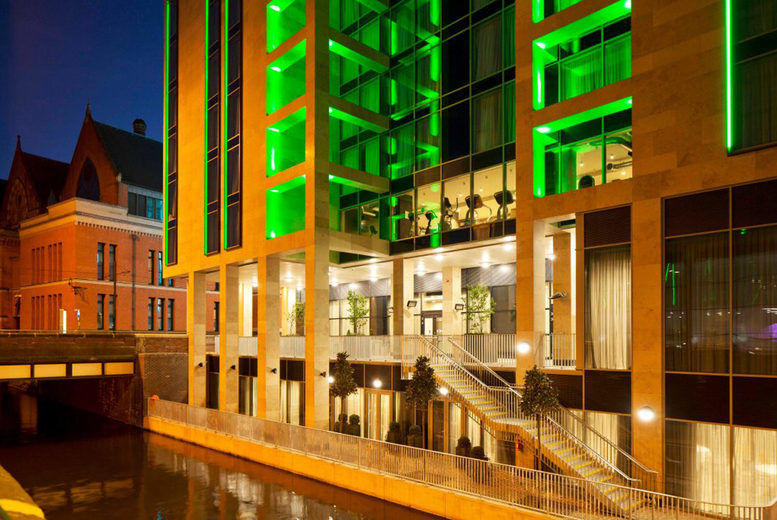 Holiday Inn Manchester City Centre-Exterior night