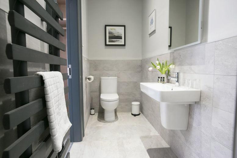 The Fullerton Arms-Bathroom