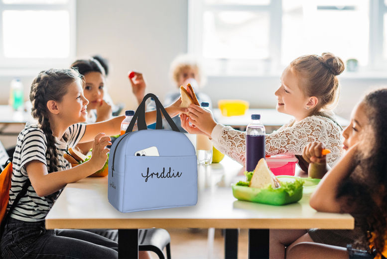 Personalised-Name-Insulated-Lunch-bag-1