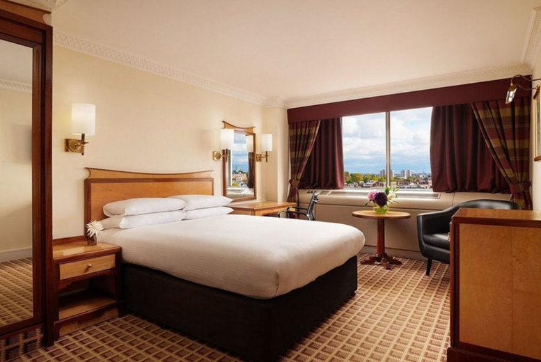 Copthorne Tara Hotel - Bedroom