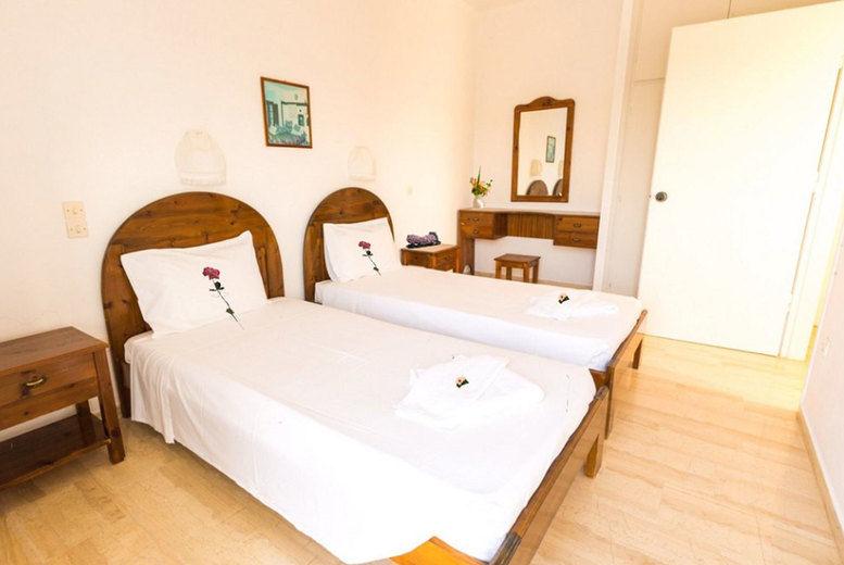 Hotel Bruskos - Double Bedroom