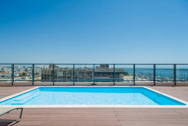 Real Marina Residence-Pool