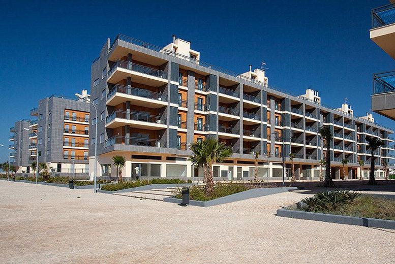 Real Marina Residence-Exterior