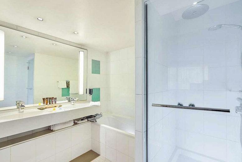 Novotel Paris 13 Porte d'Italie - Bathroom