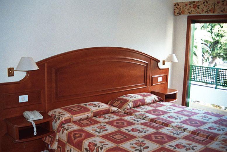 Hotel Tropical - Bedroom
