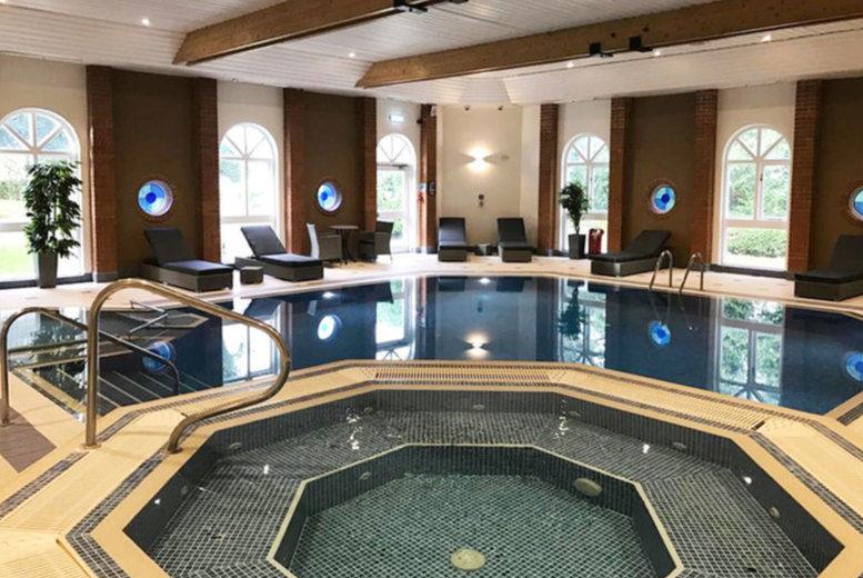 The Hog's Back Hotel - Indoor Pool