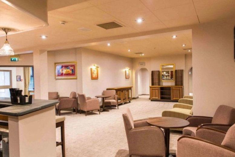 The Hog's Back Hotel - Lobby