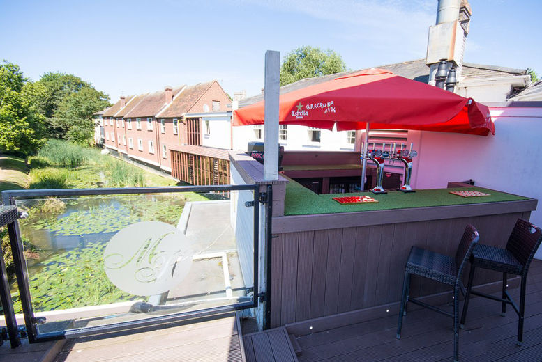 The Mill Hotel-Outdoor bar