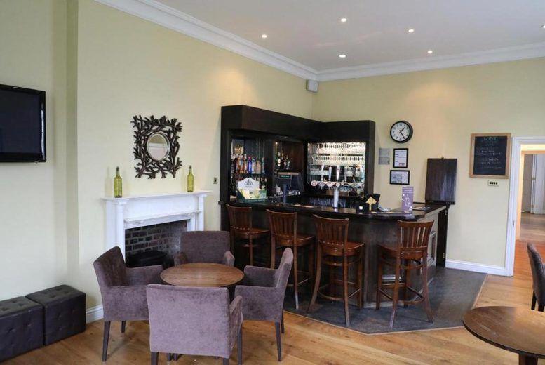 Hadlow Manor - Bar