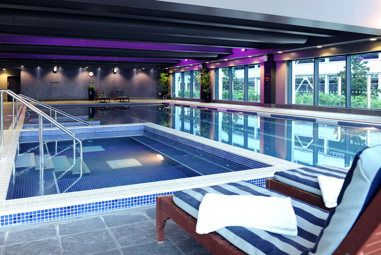 Village spa day glasgow wowcher for Cheap hotels in glasgow with swimming pool