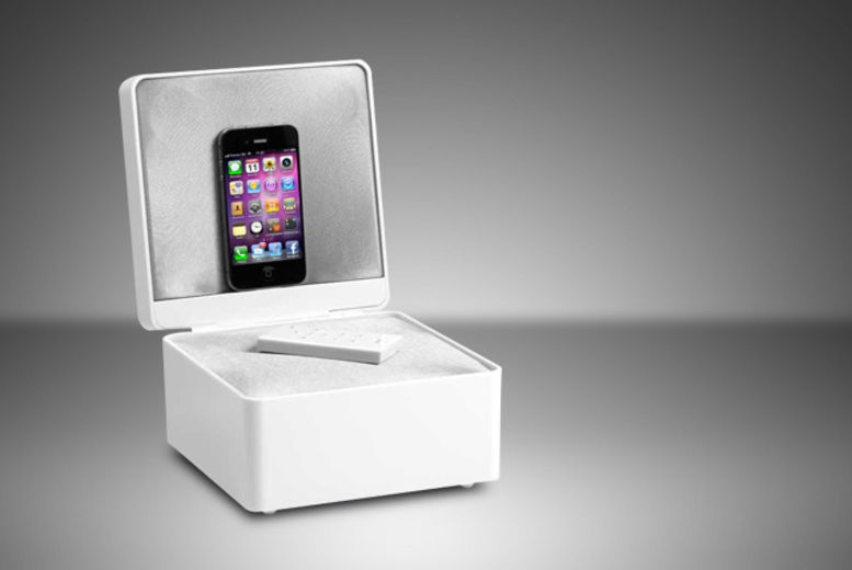 BLACK ONLY Brand New Tangent Audio PearlBox APPLE iPhone iPod docking station