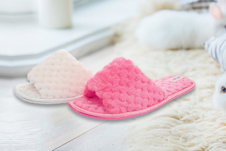 b566080df454 £6.99 instead of £15 for a pair of fluffy slider slippers from Sole Wish -  choose from two colours and save 53%