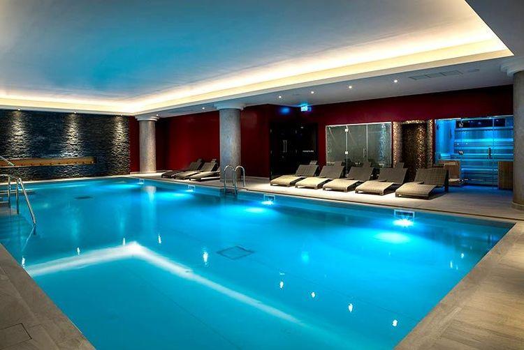 spa treatments prosecco birmingham wowcher. Black Bedroom Furniture Sets. Home Design Ideas