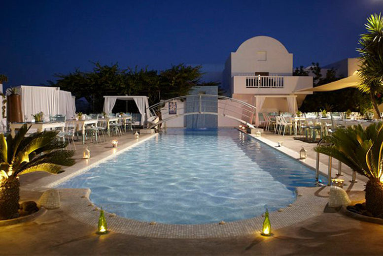 4 Santorini Beach Holiday Greece Deals In Travel Wowcher